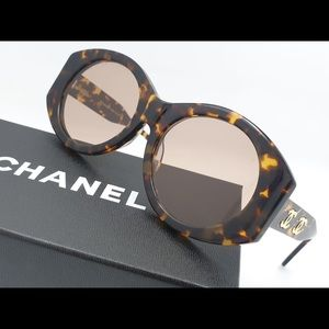 CHANEL PREOWNED RETRO VINTAGE SUNGLASSES. A STEAL!